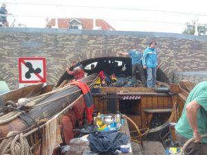 Waar het bij de 1e brug vooral de hoogte het probleem is, is bij de 2e brug vooral de breedte de moeilijkheid